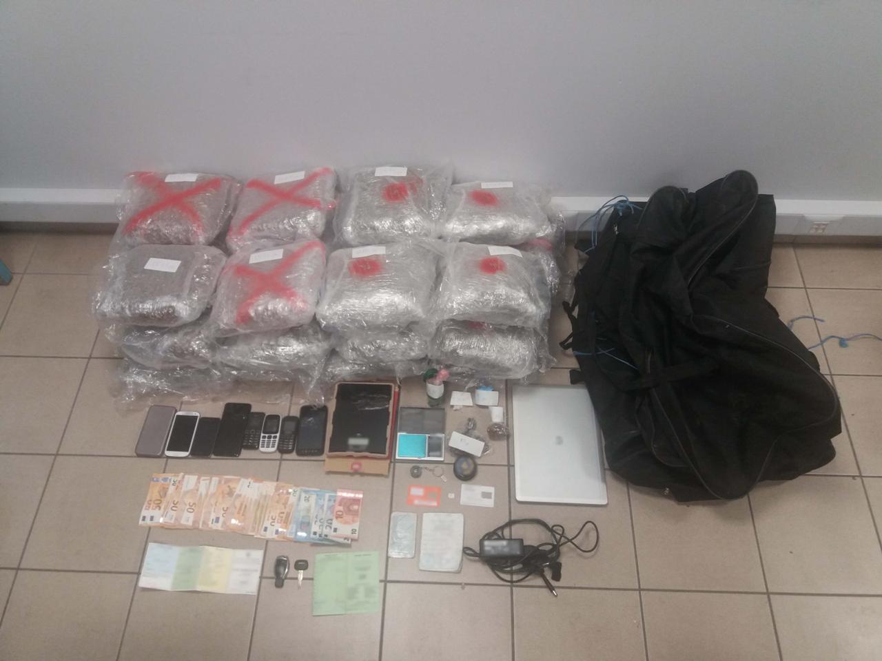 """Si në filma, trafikanti shqiptar i drogës """"dhëmbë për dhëmbë"""" me policinë greke"""