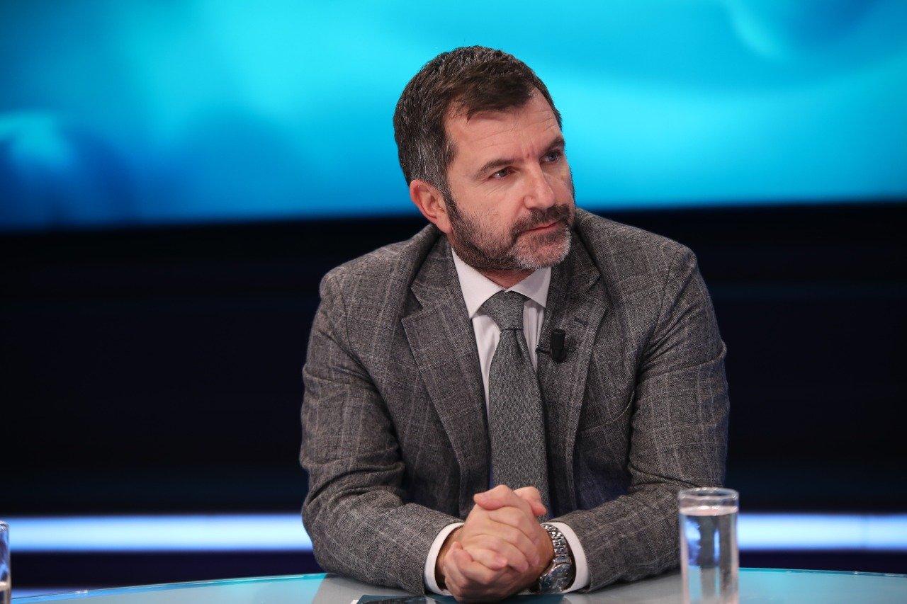 """""""Qytetarët i besojnë më shumë një imami sesa qeverisë""""/Andi Bushati debati me Spiropalin: Qeveria nuk është…"""