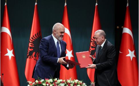 Zbulohet marrëveshja Rama – Erdogan/Rishikim i historisë dhe futje e turqishtes në shkolla