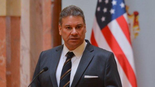 Zyrtari i DASH/Escobar: BE të caktojë nisjen e bisedimeve me Tiranën e Shkupit brenda dhjetorit, për Kosovë-Serbi ideale…